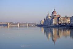 Vue sur le bâtiment hongrois du Parlement, Budapest, Hongrie Photo stock