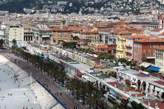 Vue sur le boulevard et le marché de Cours Saleya, intéressants Images libres de droits