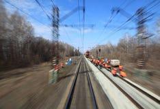Vue sur le chemin de fer du train mobile Photo stock