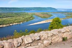 Vue sur le fleuve Volga dans la ville de Samara image libre de droits