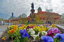 Vue sur le parterre sur la place Ville tchèque Podebrady Photographie stock libre de droits