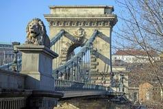 Vue sur le pont à chaînes et le Buda de Szechenyi Photos stock