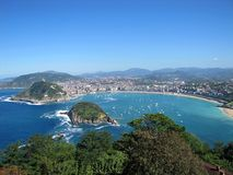 Vue sur le port de San Sebastian Photo libre de droits