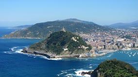 Vue sur le port de San Sebastian Photographie stock libre de droits