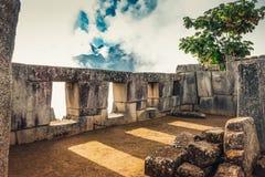 Vue sur le temple cérémonieux de la construction de Sun par des Inca photo libre de droits