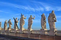 Vue sur le toit de la cathédrale du ` s de St Peter, Rome image libre de droits