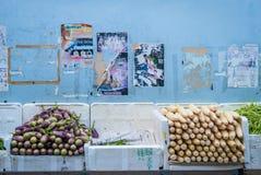 Vue sur les légumes assortis à peu de marché d'Inde Images stock