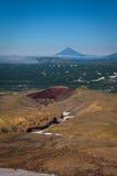 Vue sur les montagnes autour du volcan de Mutnovsky Image libre de droits
