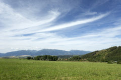 Vue sur les montagnes haut Tatras de la Slovaquie d'été Images libres de droits