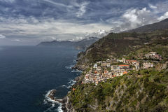 Vue sur Riomaggiore, terre de Cinque, Ligurie, Italie Photo libre de droits
