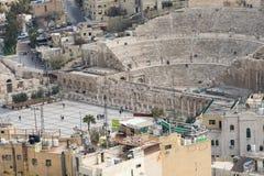 Vue sur Roman Theater antique situé dans la capitale de la Jordanie, Photos stock