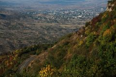 Vue sur Stepanakert de montagne photos libres de droits