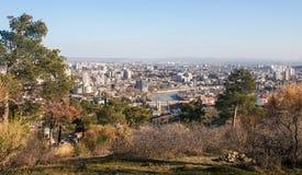 Vue sur Tbilisi près de monastère du Thabor Image stock