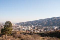 Vue sur Tbilisi près de monastère du Thabor Image libre de droits