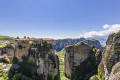 Vue sur un des monastères de Meteora Images libres de droits