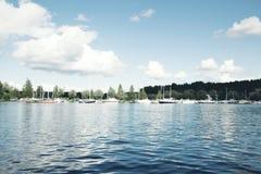 Vue sur un lac en Finlande Photos libres de droits