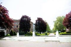 Vue sur un parc avec des fontaines à Mayence Allemagne photographie stock libre de droits