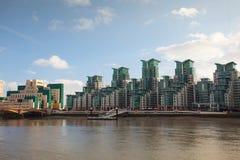 Vue tôt de soirée d'automne de Canary Wharf Photographie stock