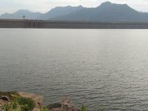 Vue tamoule de matin de barrage de Natpu Mettur l'Inde image stock