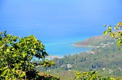 Vue tropicale de plage en île de Seyshelles Images libres de droits