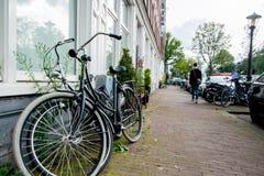 Vue typique de vélo d'Amsterdam Photo libre de droits