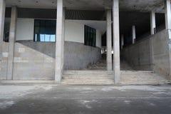 Vue urbaine contemporaine avec le fond de bâtiments images libres de droits