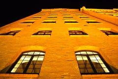Vue vénitienne de nuit de mur de bâtiment (Venise) Photo stock