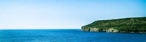 Vue vers l'île de paradis Image stock
