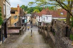 Vue vers le Roi Street dans Frome, Somerset Photos libres de droits