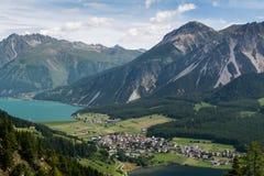 Vue vers les lacs de la montagne Photos libres de droits