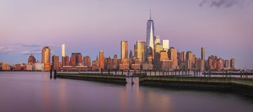 Vue vers Manhattan de New Jersey Photographie stock libre de droits