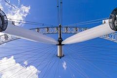 Vue verticale de sous l'oeil de Londres Photos libres de droits