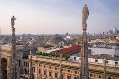 Vue verticale du dessus de toit de Duomo du Palazzo Settentrionale au coucher du soleil Photos libres de droits