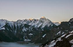 Vue Zillertal Autriche 2 de panorama de montagne de lever de soleil image stock