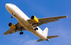 Vueling Airlines samolotu lądowanie Obraz Royalty Free