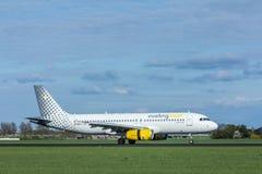 VUELING COM Airbus a320 200, aterrizaje de aviones Imagen de archivo libre de regalías