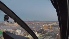 Vuelo aéreo sobre tira de Las Vegas, Nevada almacen de metraje de vídeo