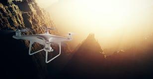 Vuelo blanco de la cámara de la acción del abejón del control de Matte Generic Design Modern Remote de la foto en cielo bajo supe Fotos de archivo libres de regalías