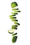 Vuelo cortado del calabacín (calabacín) en blanco Imagenes de archivo