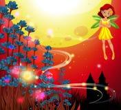 Vuelo de hadas lindo en jardín con el cielo rojo en fondo Foto de archivo libre de regalías