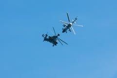 Vuelo de la demostración del tigre de Eurocopter Imagenes de archivo