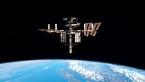 Vuelo de la estación espacial sobre la tierra ilustración del vector