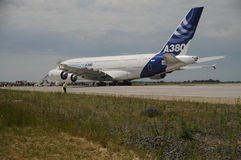 Vuelo de la versión parcial de programa de Airbus A380 en ILA Berlin Foto de archivo