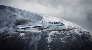 Vuelo de los aviones de jet Fotografía de archivo
