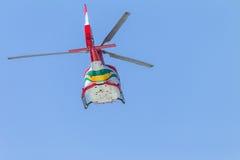 Vuelo de los aviones del helicóptero Fotografía de archivo libre de regalías