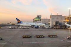 Vuelo de Lufthansa listo para dirigir Fotografía de archivo