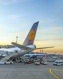 Vuelo de Lufthansa listo para dirigir Fotografía de archivo libre de regalías