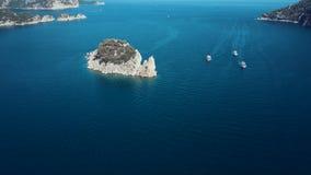 Vuelo del abejón debajo del mar, Turquía almacen de video