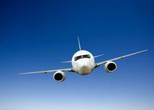 Vuelo del aeroplano Imagenes de archivo
