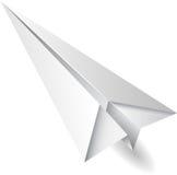 Vuelo del aeroplano de papel Imagenes de archivo